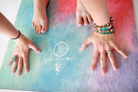 Lucent Hue Yoga Mat - Logo
